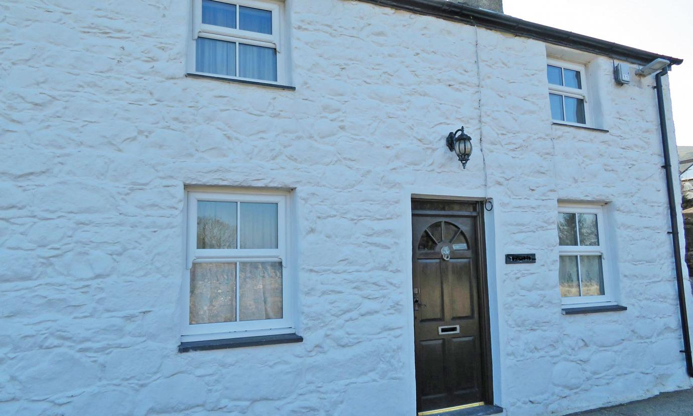 Caernarfon cottage for 5 or 6 on the Llyn Peninsula, N Wales